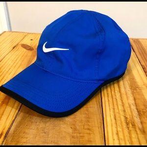 Nike: Royal Blue Featherlight Dri-Fit Hat